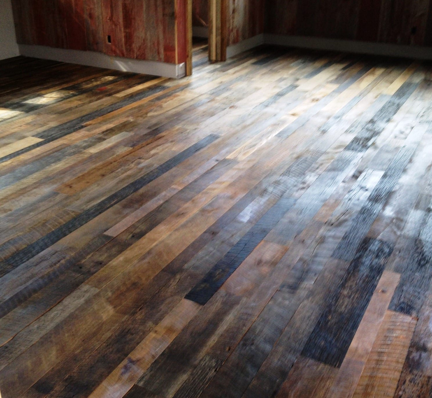 Reclaimed hardwood flooring for Recycled hardwood floors