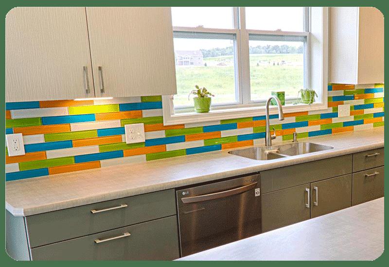 glass tile color backsplash