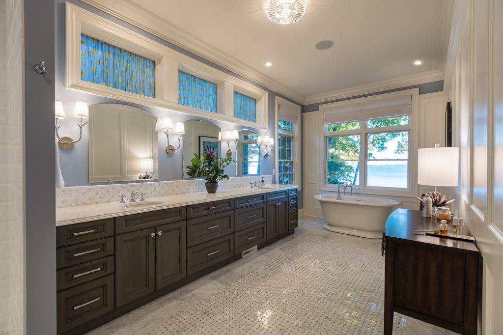 marble tile bathroom floor backsplash